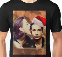 Gillian licks David's face Christmas edition Unisex T-Shirt