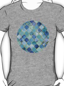 Cobalt Blue, Aqua & Gold Decorative Moroccan Tile Pattern T-Shirt