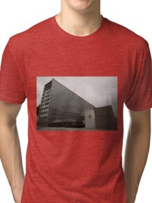 Institute Du Monde Arabe ©  Tri-blend T-Shirt