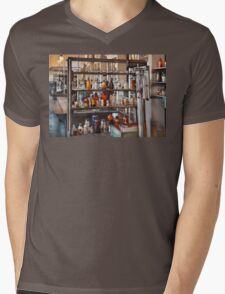 Chemist - Where science comes from Mens V-Neck T-Shirt