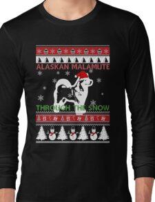 Merry Christmas - Alaskan Malamute Through The Snow Long Sleeve T-Shirt
