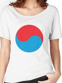 Duality in red and blue Women's Relaxed Fit T-Shirt