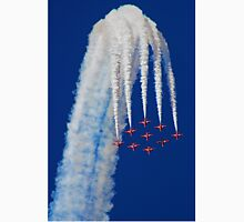Diamond Arrival Loop - The Red Arrows Farnborough 2014 Unisex T-Shirt