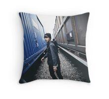 V kim taehyung Throw Pillow