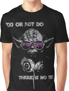 "Yoda - ""Do or not do, there is no try"" Graphic T-Shirt"