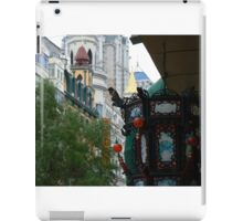 crowding downtown iPad Case/Skin