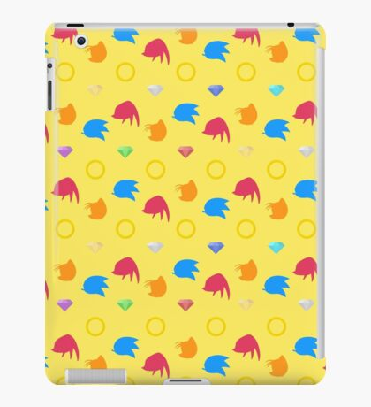 Sonic, Knuckles and Tails with Chaos Emeralds (yellow) iPad Case/Skin