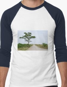 road in the African savanna Men's Baseball ¾ T-Shirt