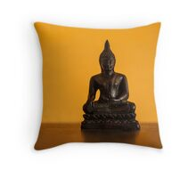 little statue Throw Pillow