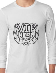 lorbeerkranz nerd geek schlau pixel gamer 8 bit cool design retro alt look gold vip wichtig person  Long Sleeve T-Shirt