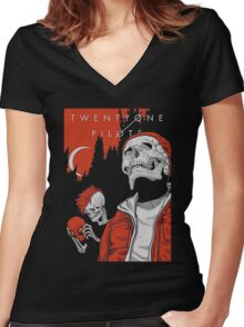 T O P Women's Fitted V-Neck T-Shirt