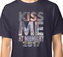 Kiss me at new year Classic T-Shirt