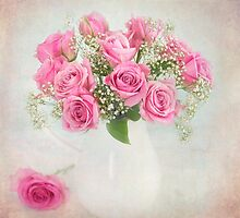 Beautiful bouquet of mauve roses. by carolynrauh