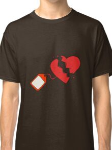cartoon luggage tag on broken heart Classic T-Shirt