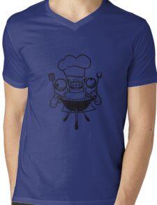 wurst würstchen grill koch essen lecker grillen chef grillmeister schürze bbq wahnsinnig gesicht comic cartoon horror halloween cool crazy verrückt verwirrt blöd dumm komisch gestört  Mens V-Neck T-Shirt