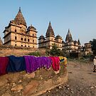 Hanging out to dry in Orchha by Chris Allen