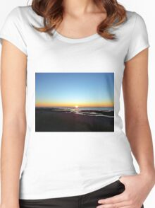 Sun on the Sea Women's Fitted Scoop T-Shirt