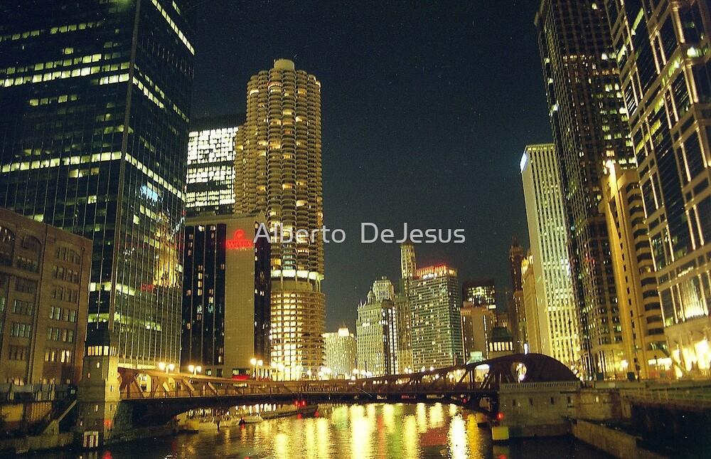Chicago Night by Alberto  DeJesus