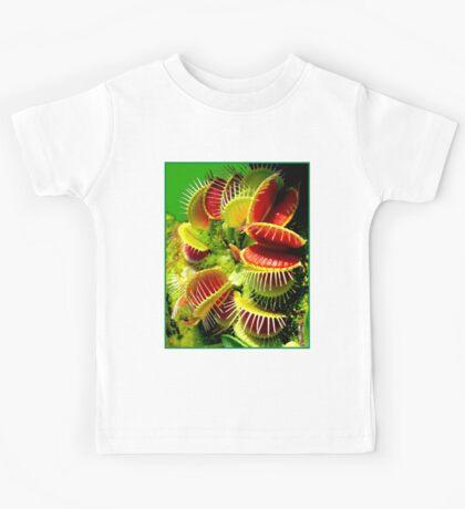 """""""VENUS FLY TRAP"""" Flowered Poster Print Kids Tee"""