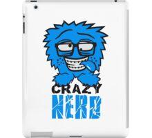 logo nerd geek schlau hornbrille zahnspange freak pickel haarig monster wuschelig verrückt lustig comic cartoon zottelig crazy cool gesicht  iPad Case/Skin