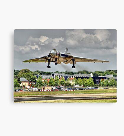 Vulcan To The Skies Landing - Farnborough 2014 Canvas Print