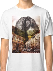 gorilla in the city Classic T-Shirt