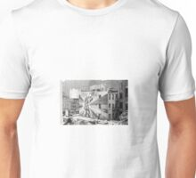 """Mural of """"The Kiss"""" from the High Line in New York City Unisex T-Shirt"""