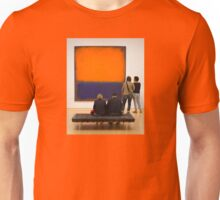 PEOPLE AT AN EXHIBITION 3049 Unisex T-Shirt