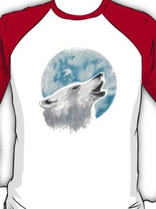 Howling at the moon T-Shirt