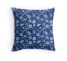 Blue floral pattern Throw Pillow