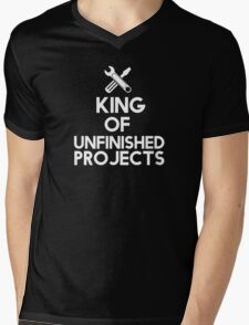 The king of unfinished projects Mens V-Neck T-Shirt