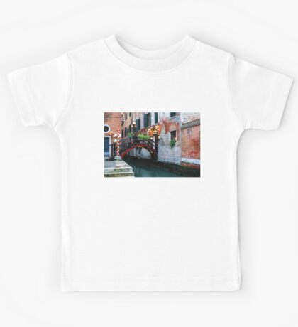 Impressions Of Venice - the Charming Christmassy Bridge Up Close Kids Tee