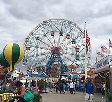Wonder Wheel, Coney Island, Brooklyn by Lagoldberg28