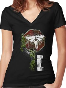 Look For The Light Women's Fitted V-Neck T-Shirt