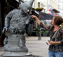 ... and then the statue kissed my hand! by bubblehex08