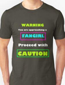 Warning you are approaching a fangirl (WHITE) T-Shirt