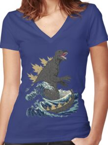 The Great Monster off kanagawa Women's Fitted V-Neck T-Shirt
