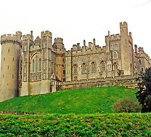 Arundel Castle by Graeme  Hyde