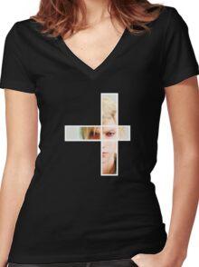 Prompto FFXV Women's Fitted V-Neck T-Shirt