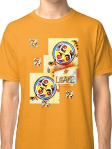LOVE CELTIC PATTERN  TEE SHIRT/KIDS TEE/PHONE CASE Classic T-Shirt