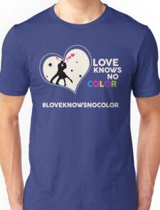Love Knows No Color. Unisex T-Shirt
