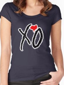 WEEKND Women's Fitted Scoop T-Shirt
