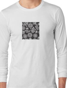Black and white floral pattern Long Sleeve T-Shirt