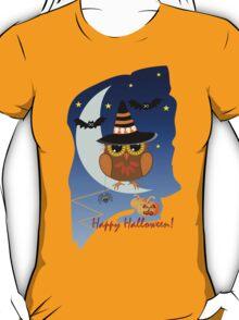 Cute Owl and Bats Happy Halloween text design T-Shirt