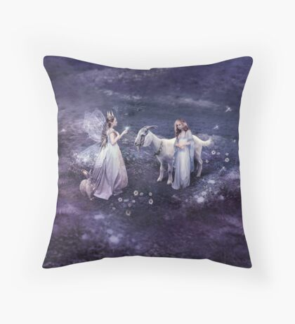 The Faerie Queen Gives a Gift Throw Pillow