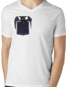 toothless in a pocket Mens V-Neck T-Shirt