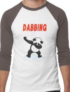 Panda DABBING THROUGH THE SNOW T-SHIRT Men's Baseball ¾ T-Shirt