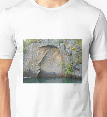 Maori Rock Carvings - Mine Bay Unisex T-Shirt