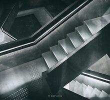 Labyrinth by Jan Pudney