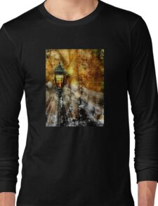 LampPost in Narnia Long Sleeve T-Shirt